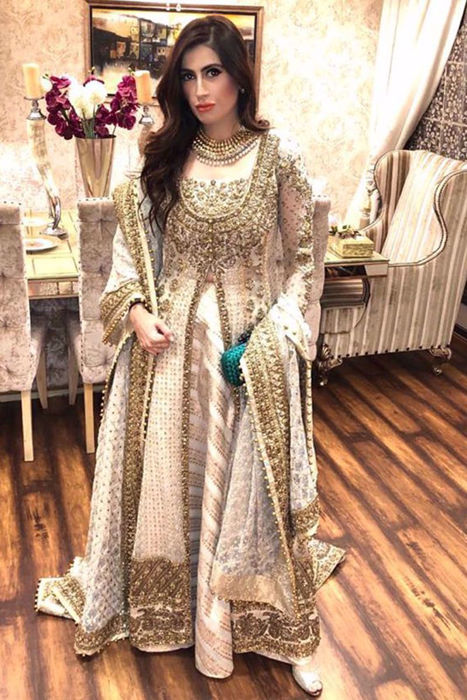 Picture of The lovely Sumbul Tabani @sparklewithsumbul in ZC bridals