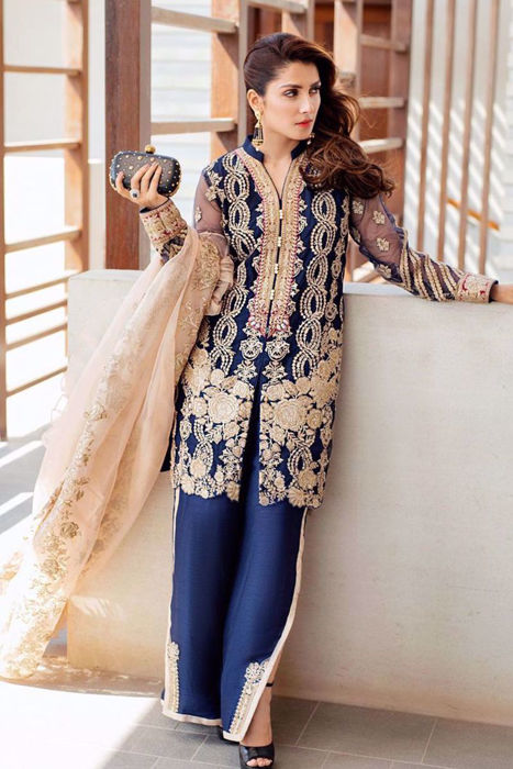 Picture of The gorgeous @ayezakhan.ak exhibits utmost grace and radiance in our avant garde 'Ishq'