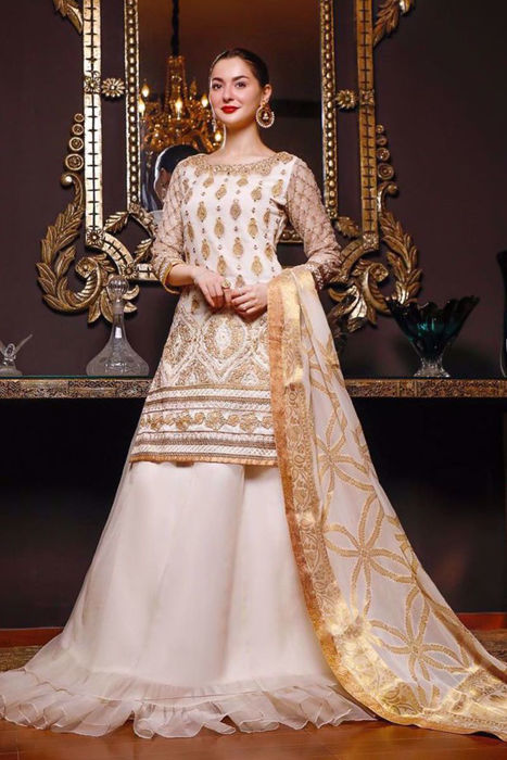 Picture of Our favorite Hania Amir looks absolutely divine in ZC Wedding Festive Collection.