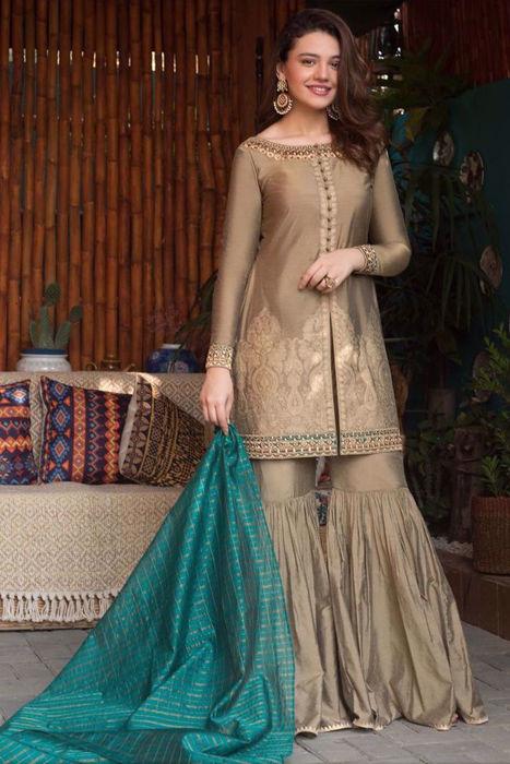Picture of Lovely Zara Noor Abbas Siddiqui looks ravishing in Nazneen