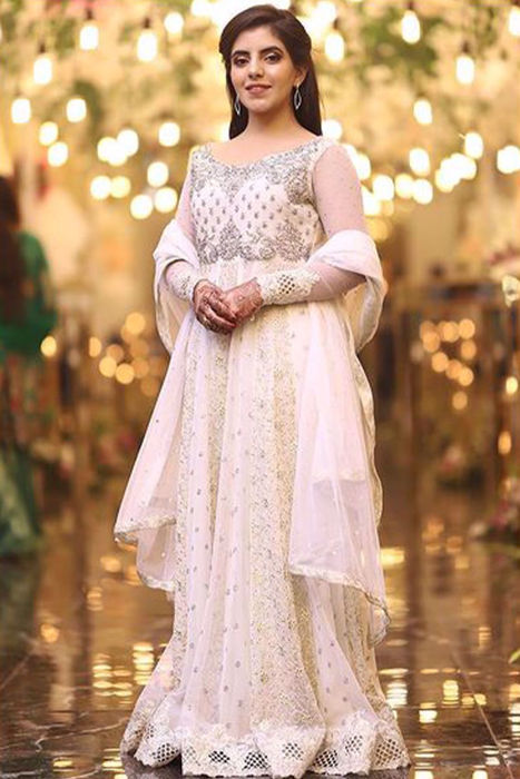 Picture of Aqsa looks elegant in our anarkali dress ΓÇÿPearl OpulenceΓÇÖ from luxury pret collection